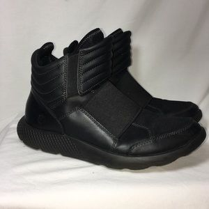 Timberland  Black pull on boot flyroam boots 10